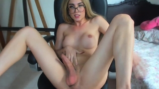 BEAUTIFUL Shemale Blows a LOAD of CUM