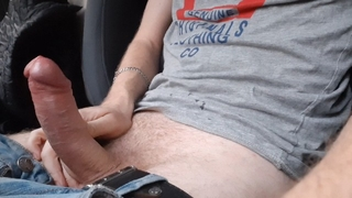 Guy Fingering in a Car in a Hot Place