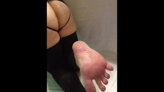 Shemale Farting Gaping Dildo and Pretty Pink Feet 2