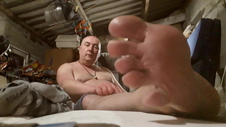 Chubby cumshot and toes domination 1