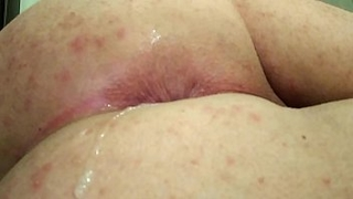 CROSDRESSER ANAL MASTURBATION AND POURING OWN CUM IN ASSHOLE