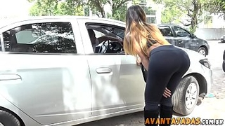 Shemale cumming on man who caught on the street