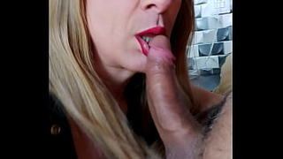 Wife went shopping and my neighbor comes quickly to enjoy in my little mouth and fuck my ass!