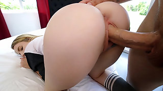 Jayden Black in Gamer Chick Gets Stretched Out - DontBreakMe