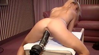Sizzling blonde babe with a nice ass enjoying a hardcore dildo fuck