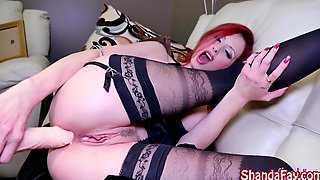 Milf Shanda Fay Gets Off with Fucking Machine!
