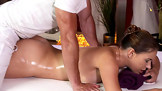 Masseur fucks his female client with nice big booty