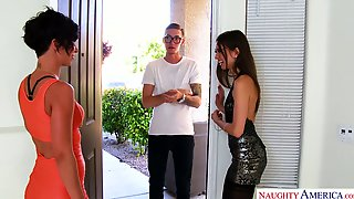 Dude with king size dong fucks Jada Stevens and her nasty girlfriend