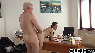 Young Girl Fucked by Old Man In Office Deepthroat Blowjob