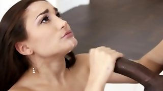 Deep throating babe gags on black shlong fro cum in mouth