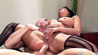 Smoking hot babe anissa kate gets her tight butthole railed by a huge pole