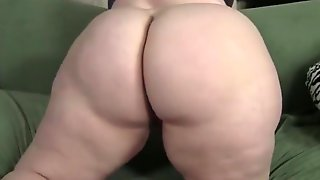 Fat blonde monica dildos herself to orgasm