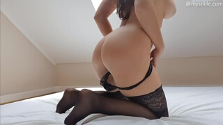 NEW Porn Girl Ride Big Dildo with Hairy Pussy - Mysti Life