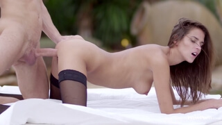 Silvie enjoys sensual fuck outdoors