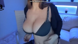 Big Natural Boobs Webcam Girl 4