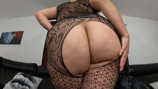 Chubby girl with big tits and ass