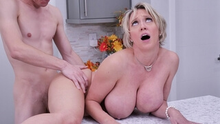 MILF Dee Williams needs 1 Ingredient 4 Thxgiving