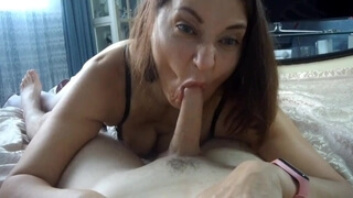 Sexy Maid Gave a Gorgeous Blowjob to the Boss