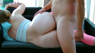 I fuck the huge ass of my young hot stepmom during her sport