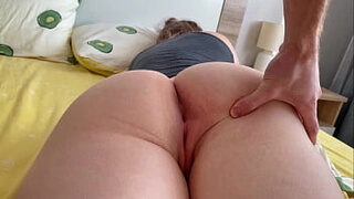 Morning sex with curvy 18 year old girl after Tinder date