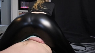 PAWG Noel Hawk gives BWC CBT with her Shiny Yoga Pants Massive Cum Load Perfect Lap Dance Grind