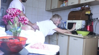 House wife has to stop her cooking for husband - Used milf !