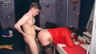 Old & Young - Mom shows the between porn and real love