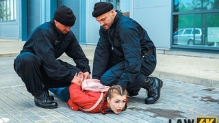LAW4k. Sexy lassie pleases two cops so they can let her go