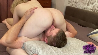In Pose 69, my Girlfriend Sucks my Dick and I Lick Pussy , I Bring her to Orgasm