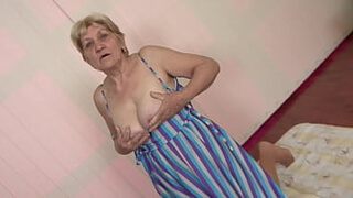 Is it your grandma ? Hairy granny gets fucked and receives a cum shower on her shaggy tits