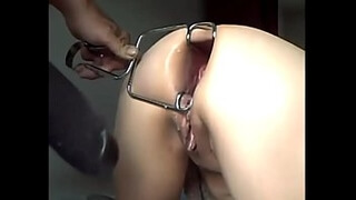 MILF (from LiveGF.net) Gets Ass Punished With Huge Speculum & XXL Dildo