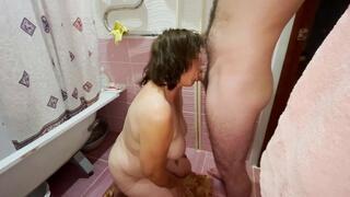 Mom gives a deep blowjob and gives her ass to her stepson