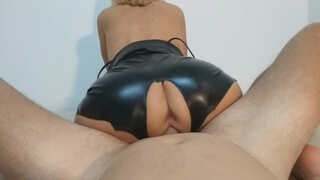 BABE IN LEATHER SHORTS GETS HER TIGHT PUSSY CREAMPIED