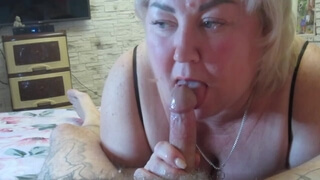 while my wife is taking a shower, my mother-in-law makes a Blowjob and makes me cum